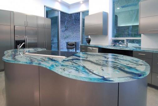 Kuhinje sa staklenim radnim površinama slika5