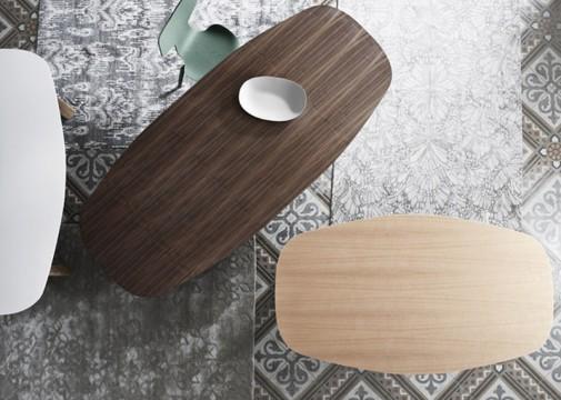 Neobični sto i stolice slika3