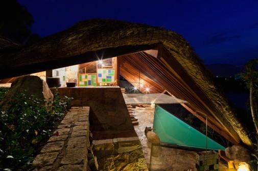 Atraktivna arhitektura iznad termalnog izvora 5