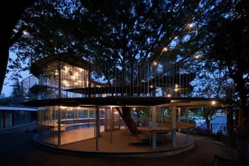 Objekat oblikovan oko drveta 5
