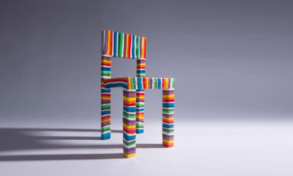 Slatka stolica u duginim bojama