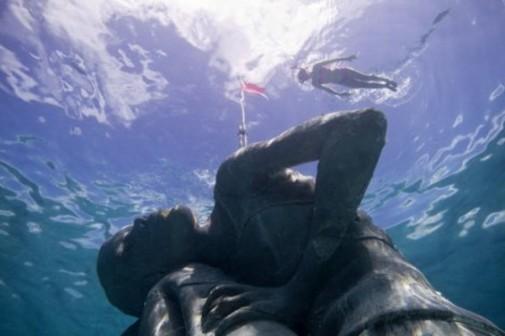 Podvodna statua 6