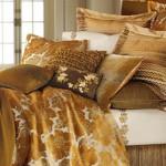 Zlatna posteljina