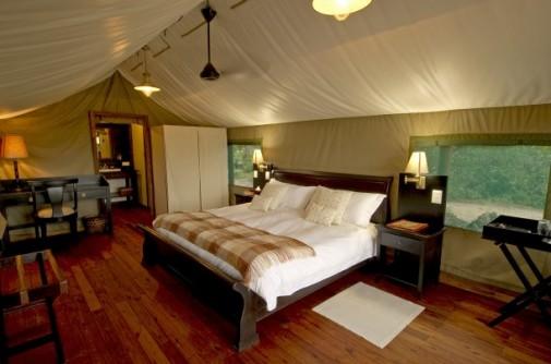 luxury-lodge-botswana-StanleysCamp-08-610x404
