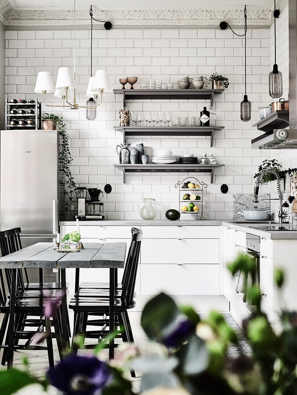 Scandinavian-look-grey-kitchen-designs