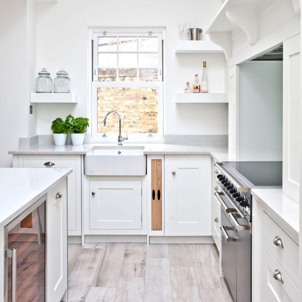 Traditional minimalist white kitchen 620x620 bravacasa for All white kitchen ideas