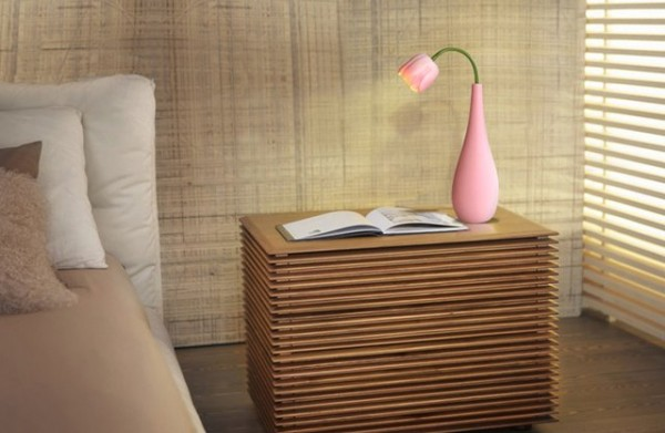 adjustable-flower-vase-lamp-600x391