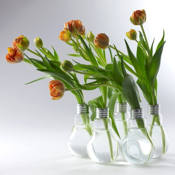 lightbulb-shaped-vases-600x600