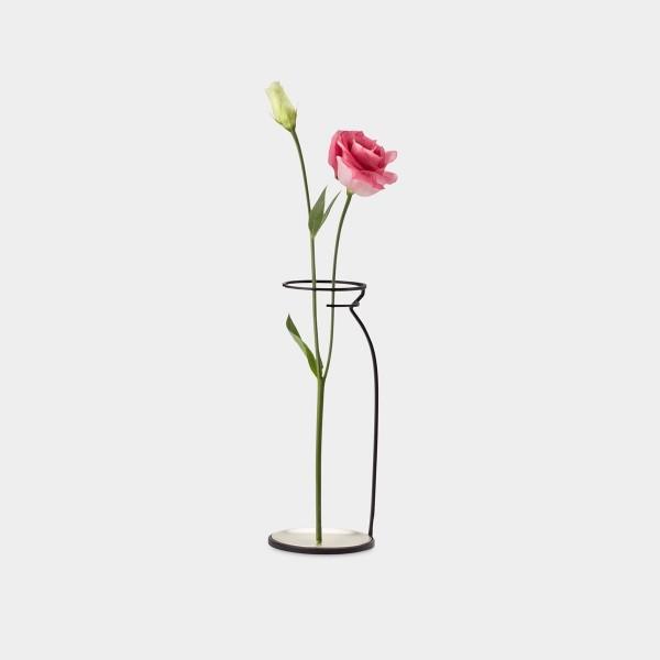 ultra-minimalistic-vase-design-600x600